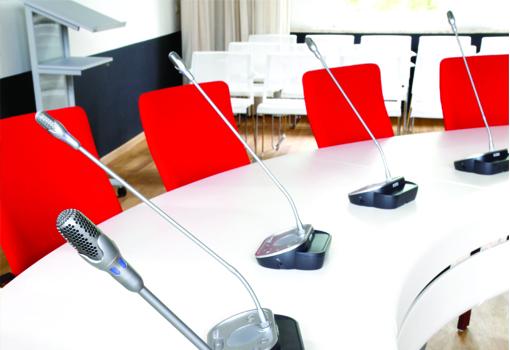 discussiesystemen van Mvie: meer gemak bij vergaderingen of conferenties met discussie systemen